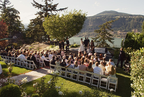 Columbia Gorge Hotel Is Located In Hood River Washington With A Stunning 208 Waterfall Gorgeous Landscapes And Sweeping Vista Of The